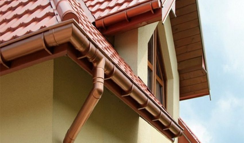 Gutter systems for houses made of sip panels